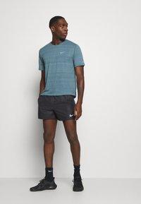 Nike Performance - Urheilushortsit - black/silver - 1