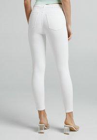 Bershka - Jeans Skinny Fit - white - 2