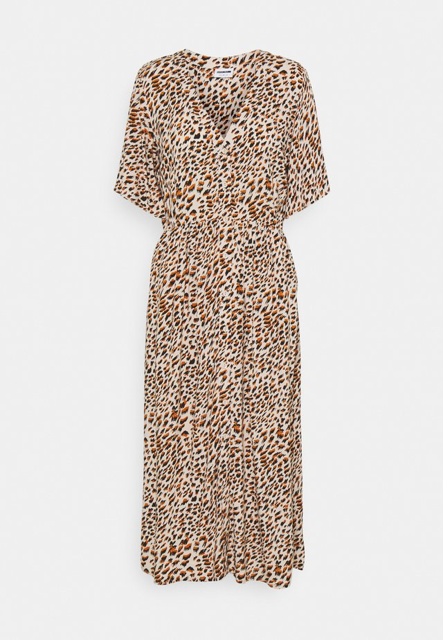 NMFIONA CALF DRESS - Blousejurk - sugar almond