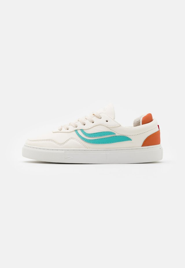 SOLEY UNISEX  - Sneakers basse - white/turqouise/orange