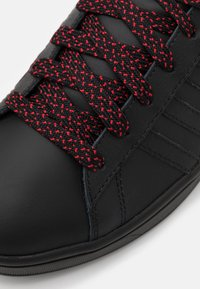 K-SWISS - COURTHYDRO - Trainers - black/charcoal - 5