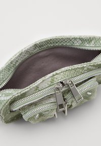 Núnoo - HELENA - Across body bag - light green - 2