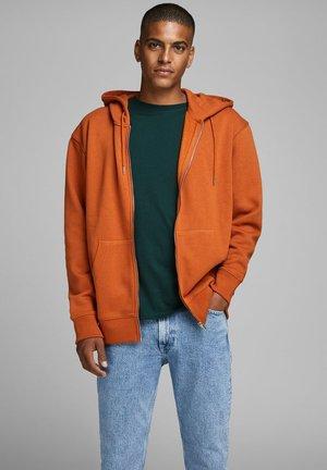 JJESOFT ZIP HOOD - Zip-up hoodie - umber
