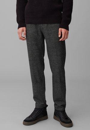 REGULAR AUS ELASTISCHEM VISKOSE-MI - Trousers - multi/black