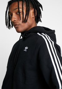 adidas Originals - ADICOLOR 3 STRIPES HALF-ZIP HOODIE - Hoodie - black - 3
