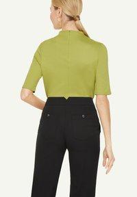 comma - Basic T-shirt - spring green - 2