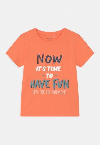 NMMFINN - Print T-shirt - melon