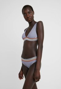Rip Curl - BOSTON ROAD CHEEKY PANT - Bikini bottoms - bluestone - 1