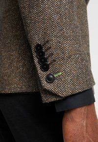 Twisted Tailor - SNOWDON - Giacca - brown - 6