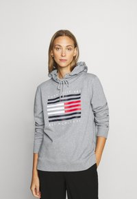 Tommy Hilfiger - REGULAR FLAG HOODIE  - Sweat à capuche - light grey heather - 0