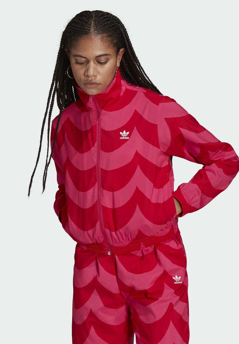 adidas Originals - X MARIMEKKO - Veste de survêtement - vivid red/team real magenta