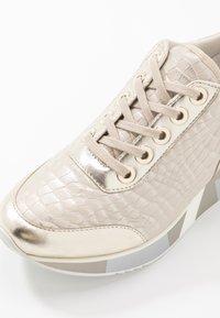CAFèNOIR - Sneakers - platino - 2