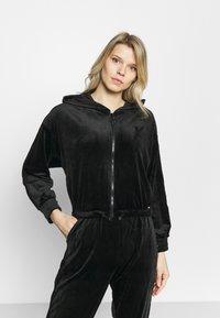 Hunkemöller - JACKET - Training jacket - black - 0