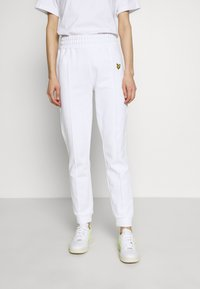 Lyle & Scott - Tracksuit bottoms - white - 0