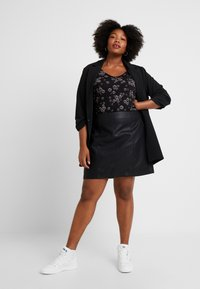 Dorothy Perkins Curve - SEAM DETAIL MINI SKIRT - A-line skirt - black - 1
