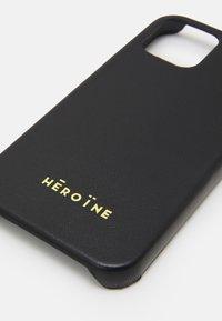 Maison Hēroïne - YUNA IPHONE CASE - Etui na telefon - black - 3