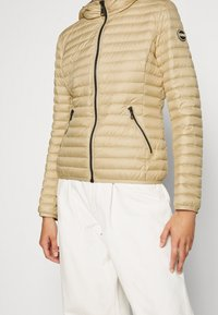 Colmar Originals - LADIES JACKET - Down jacket - sandy/spike - 5