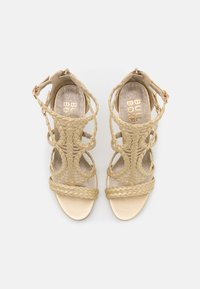 Bullboxer - Højhælede sandaletter / Højhælede sandaler - light gold - 5