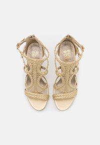 Bullboxer - High heeled sandals - light gold - 5