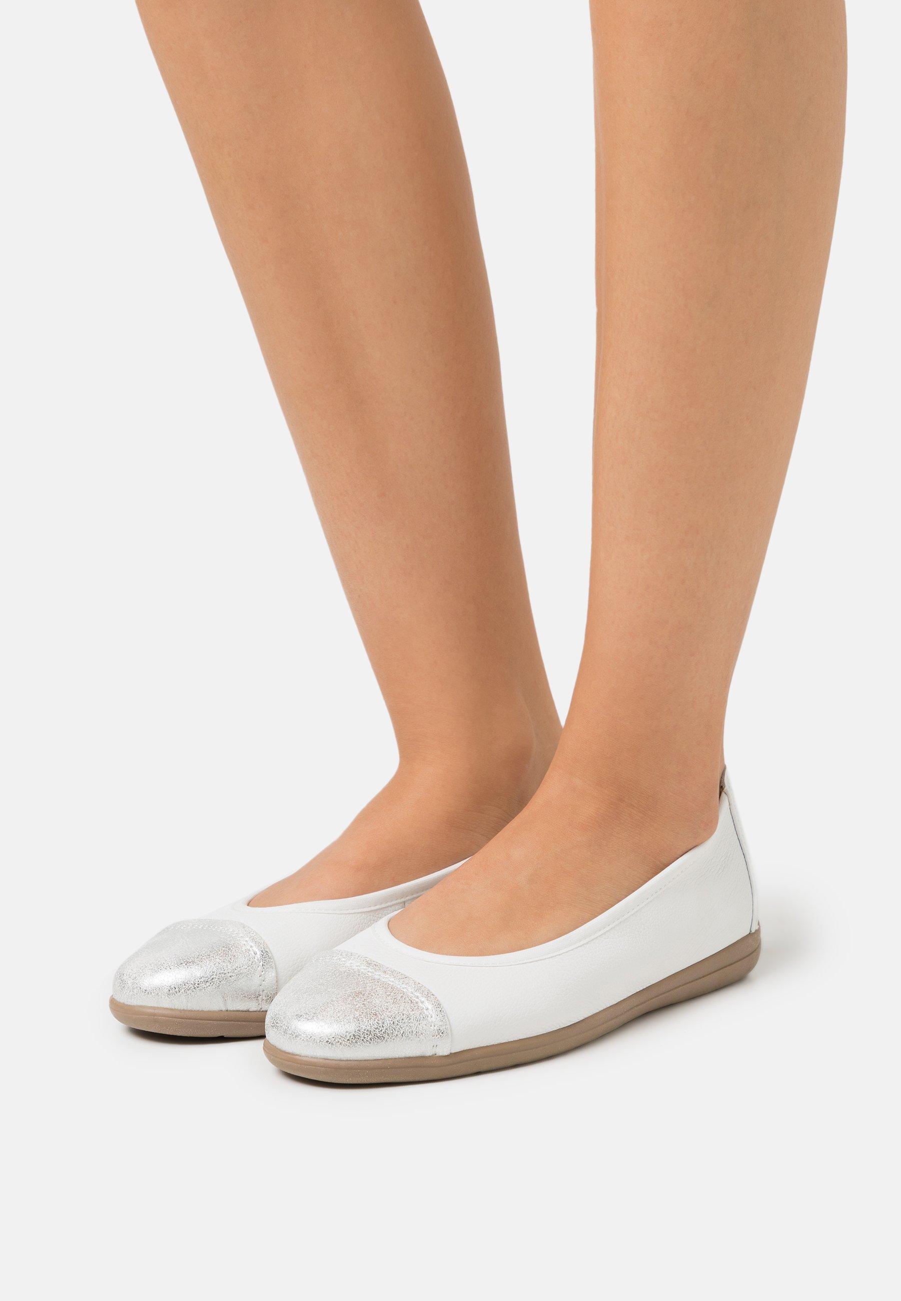 Women Ballet pumps - white