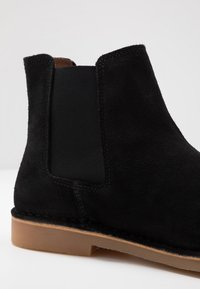 Selected Homme - SLHROYCE CHELSEA BOOT - Classic ankle boots - black - 5