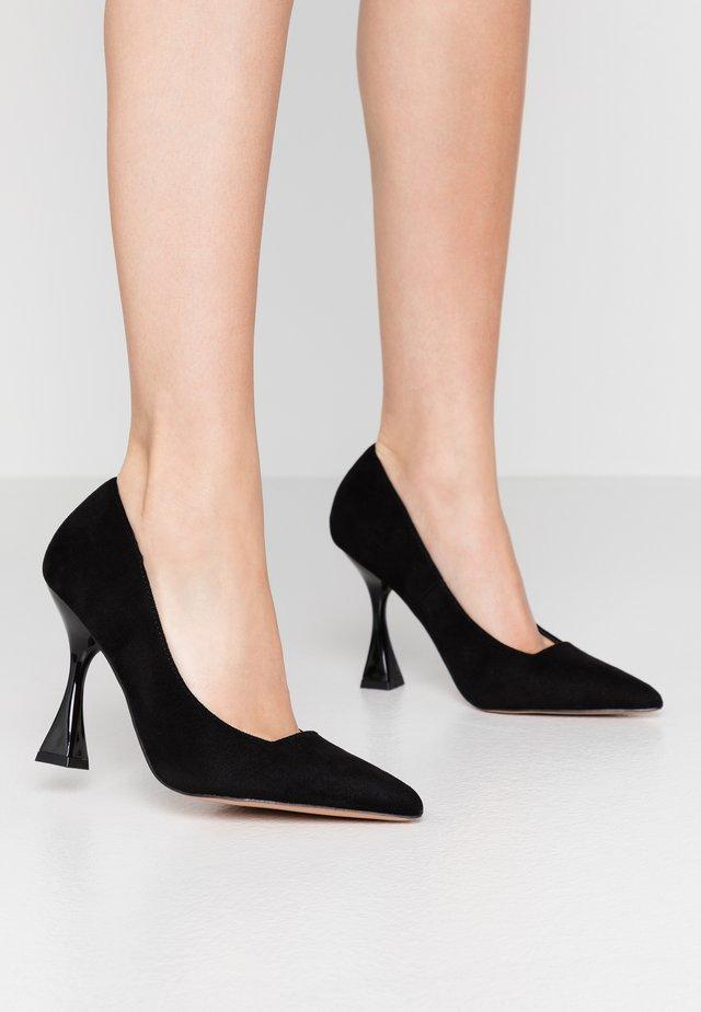 INTEREST COURT - Zapatos altos - black