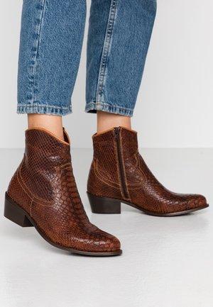 Kovbojské/motorkářské boty - brown