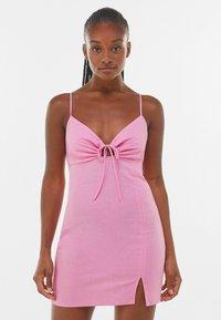 Bershka - Pouzdrové šaty - pink - 0