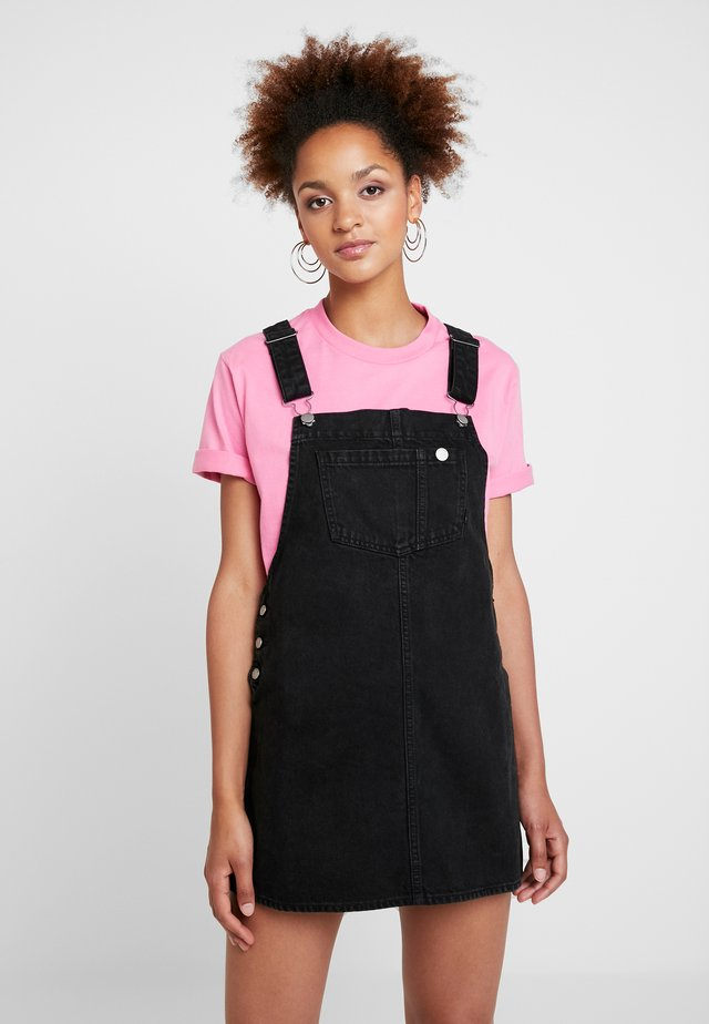 EIR DUNGAREE DRESS - Denim dress - summer camp black