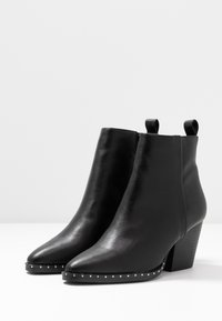 Rubi Shoes by Cotton On - SPENCER STUDDED RAND BOOT - Stiefelette - black - 4