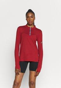 Nike Performance - ELEMENT TRAIL MIDLAYER - Funktionsshirt - dark cayenne - 0