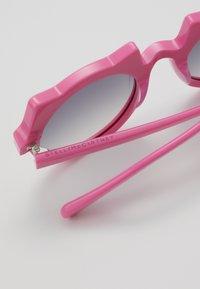 Stella McCartney - SUNGLASS KID - Sunglasses - pink - 2