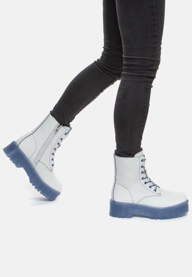 Bottines à plateau - white/blue