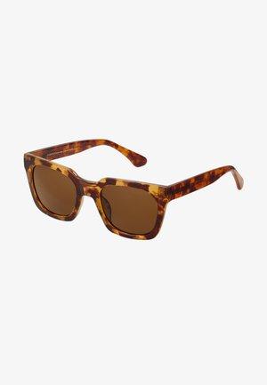 NANCY - Gafas de sol - light brown transparent