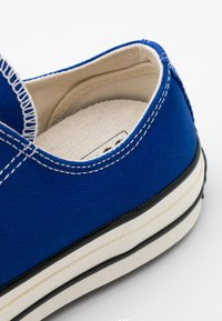 Converse - CHUCK TAYLOR ALL STAR UNISEX - Trainers - rush blue/egret/black - 5