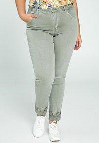 Paprika - Jeans Skinny Fit - khaki - 0