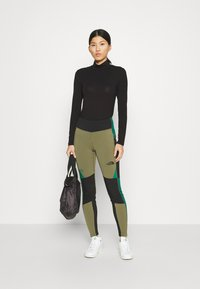 The North Face - STEEP TECH - Leggings - Trousers - burnt olive green/tnf black/evergreen - 1