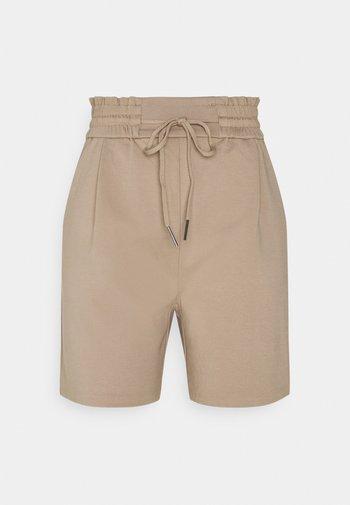 VMEVA RUFFLE - Shorts - silver mink