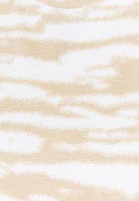 Marc O'Polo DENIM - SLEEVELESS - Print T-shirt - multi/island beige - 2