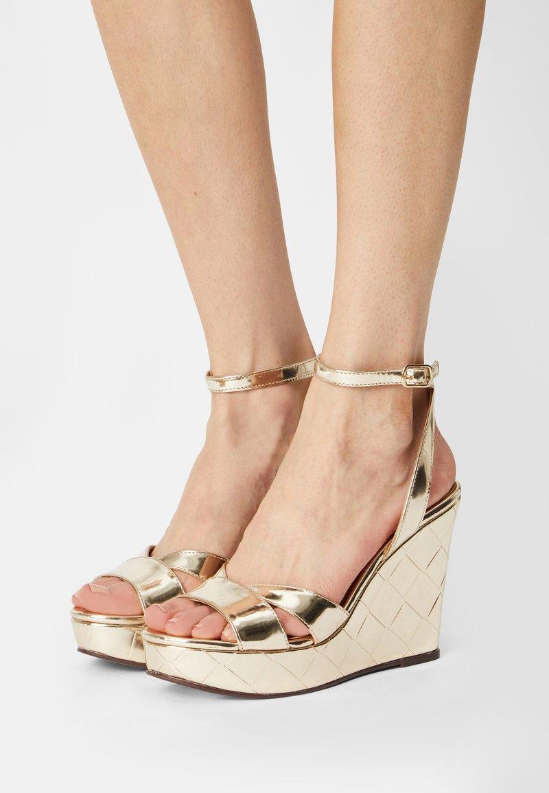 San Marina - MOANY - Platform sandals - or
