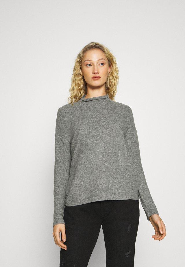 SOKOLE - Strickpullover - easy grey