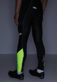Gore Wear - Punčochy - black/neon yellow - 4