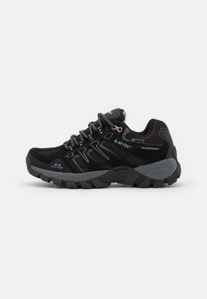 TORCA LOW WP WOMENS - Hiking shoes - black/grey