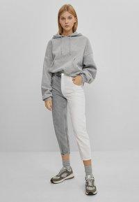 Bershka - IM MOM  - Jeans baggy - grey - 1