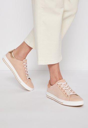 Sneakers laag - rosa/rame