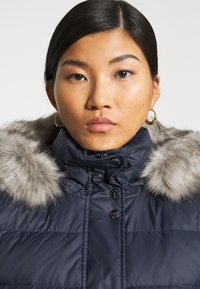 Tommy Hilfiger - TH ESS TYRA  - Down coat - desert sky - 5