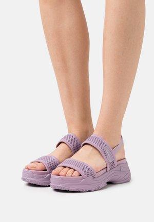SAMURAI - Sandály na platformě - purple