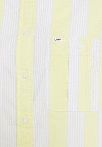 Lee - HALF SLEEVE SHIRT - Blouse - lime juice - 5