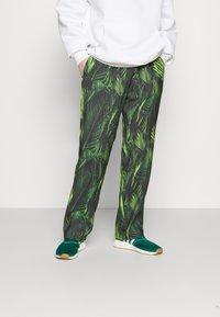 9N1M SENSE - SPECIAL PIECES PANTS UNISEX - Trousers - black/green - 0