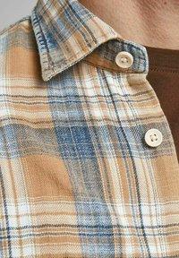 Jack & Jones PREMIUM - Shirt - sudan brown - 3